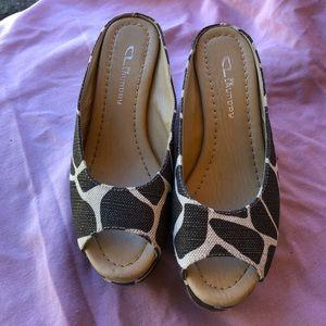 Ladies Chinese Laundry Sandals